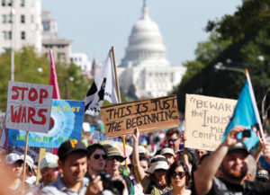 us-protests-spread-to-washington-dc-2011-10-07_l
